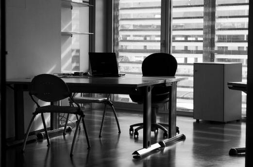 Mesas de diseño para tu oficina