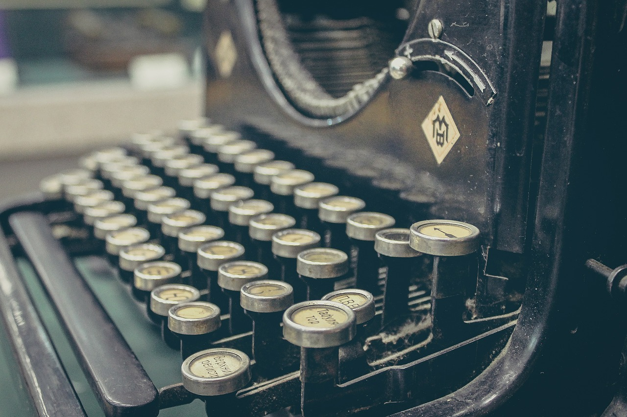 Busca la diferencia al publicar tu obra con Punto rojo editorial