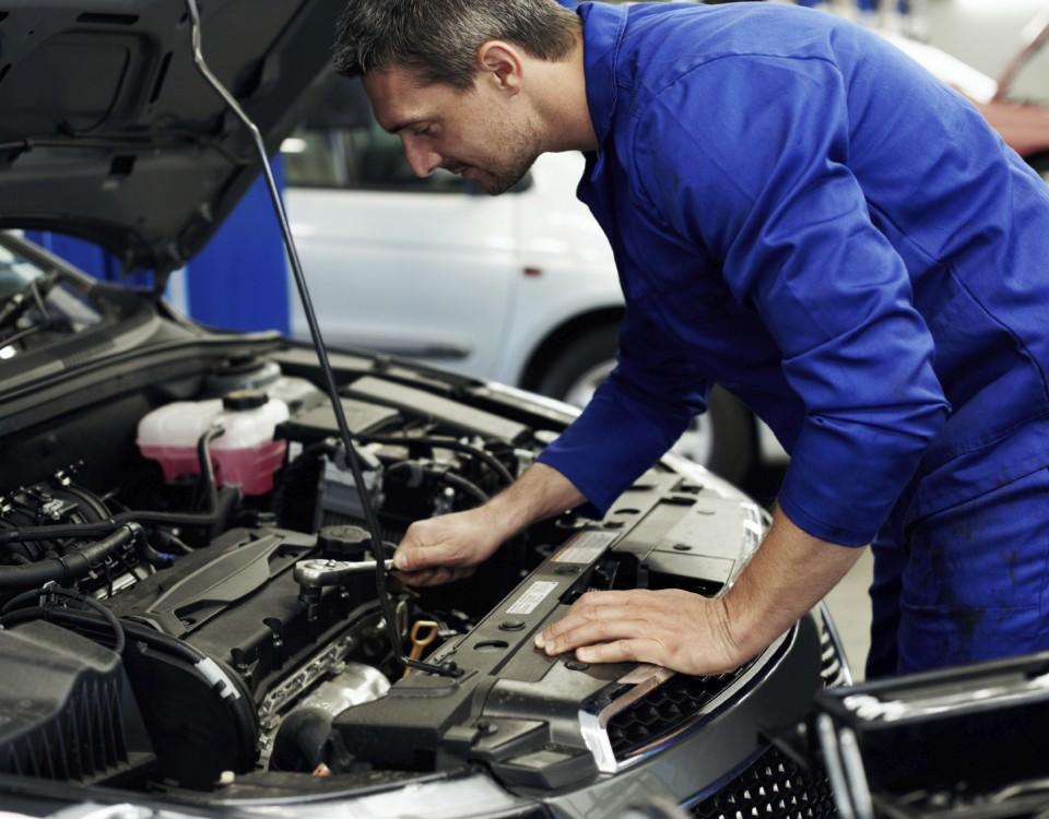 ¿Cómo encontrar mecánico de coches y garantizar un buen mantenimiento?