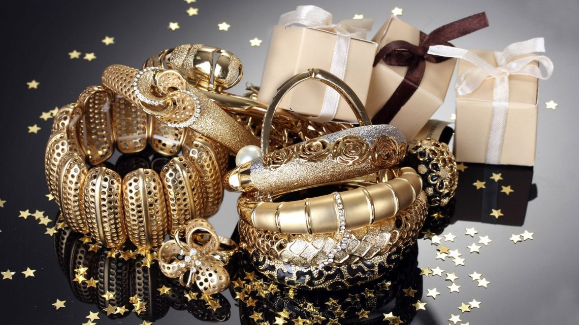 Conoce las ventajas de usar joyas de acero inoxidable